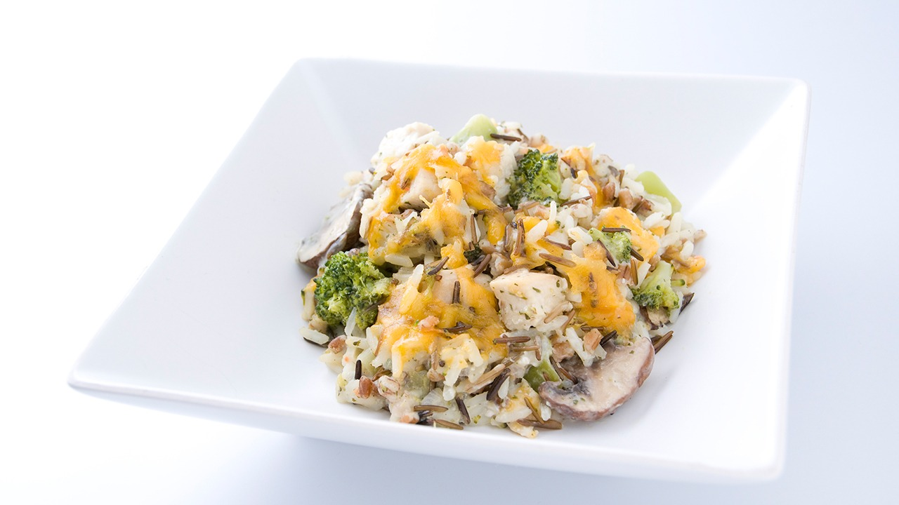 Country Chicken, Broccoli and Cheese Bake with Kansas Medley™ Military Foodservice