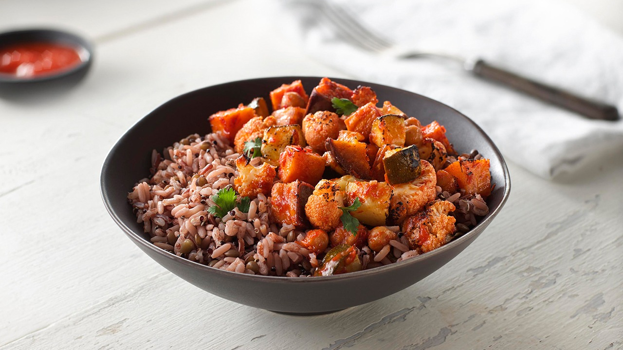Harissa-Roasted Vegetables & Chickpeas with Mountain Red Blend™