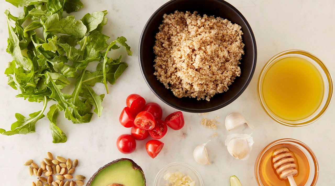 Honey lim quinoa salad with tomatoes and arugula ingredients
