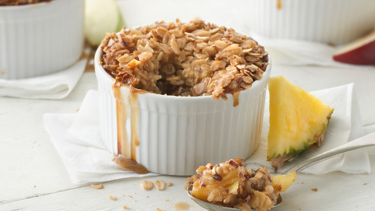 Sunrise ginger pear crisp in cup