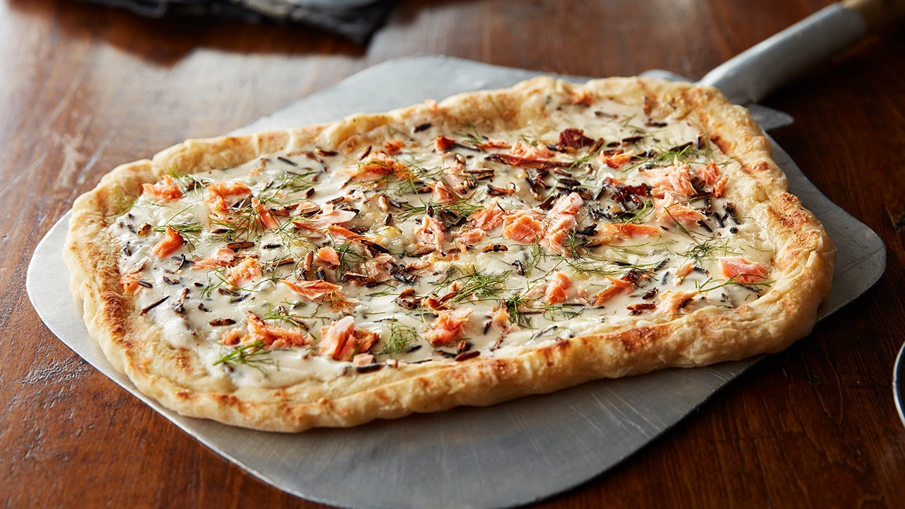 Wild rice and salmon pizza